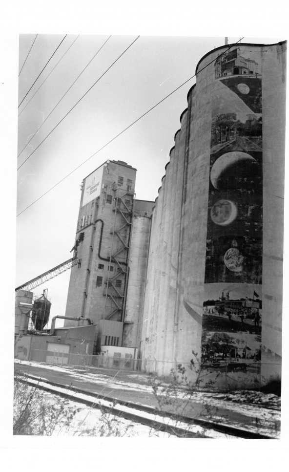 Five image photography series with urban environments in high contrast grayscale. ; Kendra Powers
