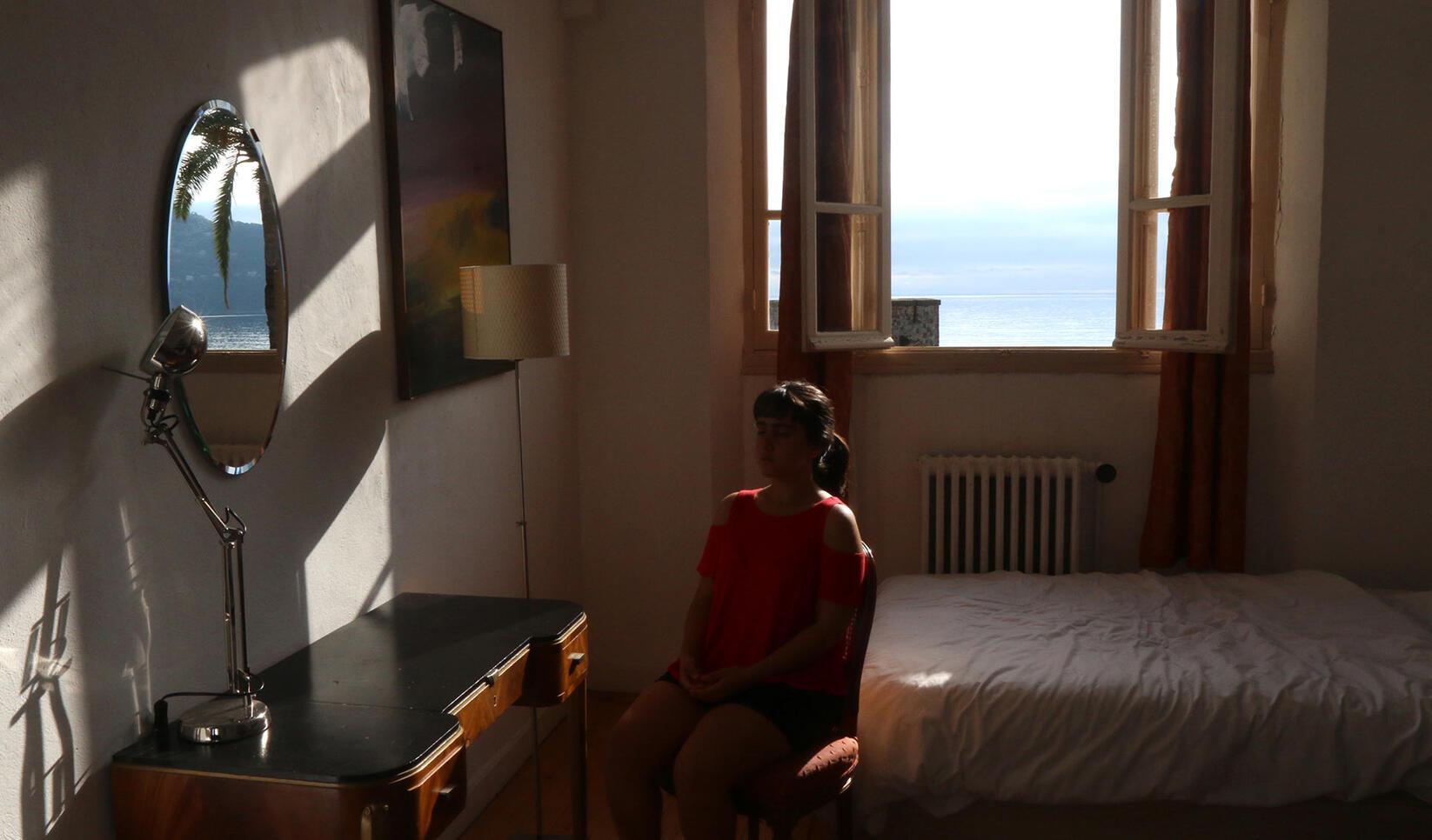 Room (dance time-lapse experiment), 2019, video ; Sarah Abdel-Jelil